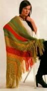 Полосатая шаль, связанная крючком