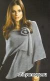 Серебристо-серая шаль с цветком, связанная спицами. Описание бесплатно