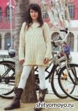 Бежевая туника для девочки, связанная спицами. Описание и схемы вязания бесплатно