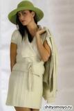 Жакет цвета слоновой кости с короткими рукавами, связанный спицами. Описание вязания бесплатно
