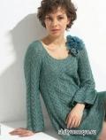 Ажурное зеленое платье, связанное спицами. Описание и схемы вязания бесплатно