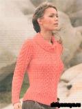 Коралловый пуловер с аранами, связанный спицами. Описание и схемы вязания бесплатно
