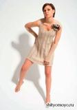 Бежевое платье и минетки, связанные спицами. Описание и выкройка бесплатно