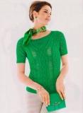 Летняя зеленая маечка, связанная спицами