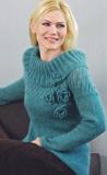 Бирюзовый пуловер, связанный спицами