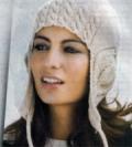 Женская шапочка с наушниками, связанная спицами (модель с описанием)