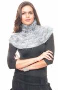 Серый шарф-воротник, связанный спицами. Описание + схема