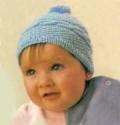 Голубая детская шапочка, связанная спицами. Подробное описание