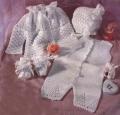 Белые детские пинетки, связанные крючком на ребенка 6 месяцев. Подробное описание