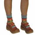 Полосатые носки, связанные спицами жаккардовым узором. Описание + схема