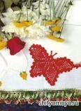 Красная салфетка-бабочка, связанная крючком. Описание + схема