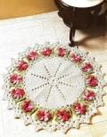 Бежевый коврик с яркими цветами, связанный крючком. Описание + схема