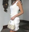 Белое летнее платье, связанное спицами и крючком. Описание + схемы