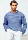 Голубой мужской пуловер, связанный спицами. Описание + выкройка