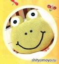 Детская фисташковая подушка-лягушка, связанная крючком. Описание + схемы