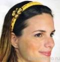 Желтая связаная крючком повязка на голову с цветком для девочки. Описание + схемы
