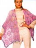 Розовая шаль-накидка, связанная крючком