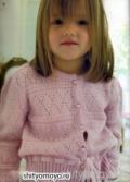 Розовая кофточка на девочку, связанная спицами. Описание + схема