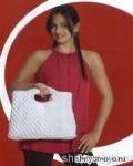 Белая летняя сумка, связанная крючком узором «попкорн». Описание + схемы