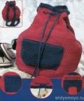 Красно-синий рюкзак, связанный крючком своими руками. Подробное описание