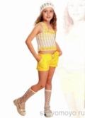 Детская бежево-желтая маечка с одной бретелькой, связанная крючком. Описание + схемы